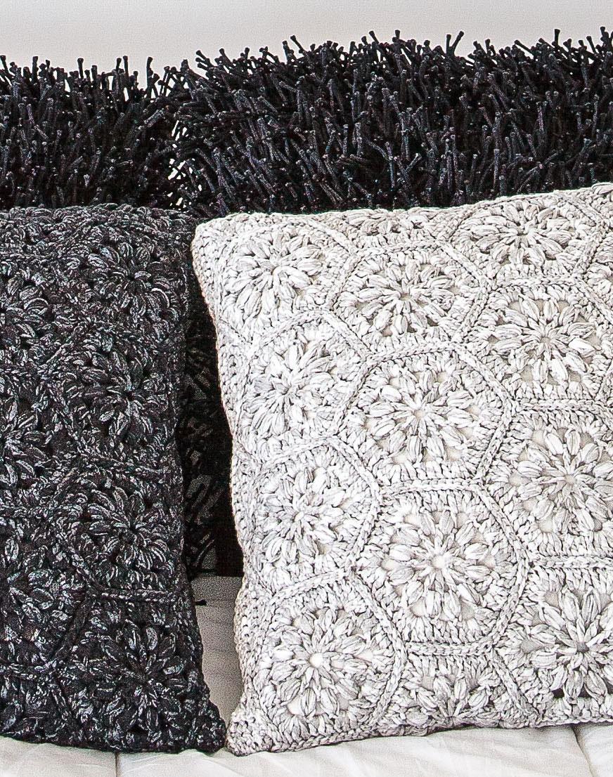 kissenh lle aus sechs und dreiecken roma filati handstrick no 63 home modell 19 von lana. Black Bedroom Furniture Sets. Home Design Ideas